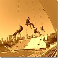 policia-militar-faz-simulado-de-seguranca-no-estadio-do-pacaembu-em-sao-paulo-visando-a-copa-do-mundo-de-2014-1325850323498_300x300