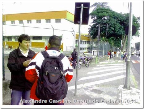Panfletagem na faculdade Uniban Anhanguera com Castilho e márcia Tavares (3)