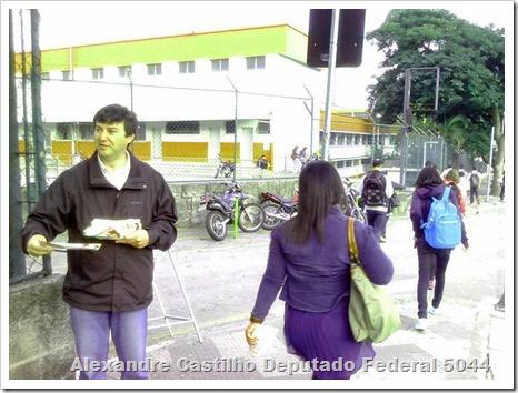 Panfletagem na faculdade Uniban Anhanguera com Castilho e márcia Tavares (9)